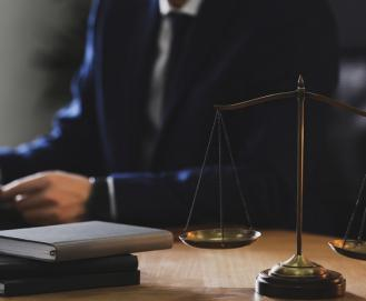O que é e como fazer cobrança judicial