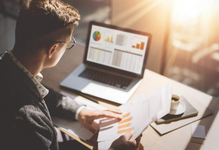 Cobre Fácil: entenda o que é um sistema de gestão financeira
