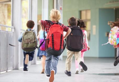 Como as escolas devem gerar boleto para os alunos?